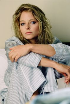 Actress Jodie Foster poses for a photo in June 1987 in Vancouver Canada Foster is promoting her movie 'The Accused' Alexandra Hedison, Jodie Foster, The Fosters, British Academy Film Awards, Actrices Hollywood, Taxi Driver, Lindsay Lohan, Best Actress, Pretty People