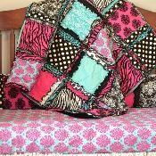 Easy Peasy Rag Quilt Pattern - via @Craftsy