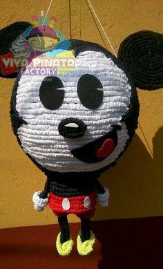 Nuevo modelo piñata Mickey Mouse... y no olvides que contamos con la promoción de Piñata más palo piñatero más kilo y medio de dulces por $550