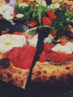 Posted on Cityloque LUIGIA Pizza Tradizionale in Geneva. This italian is full of joy & life. Geneva, Pizza, Joy, Lunch, Restaurant, Life, Glee, Eat Lunch, Diner Restaurant