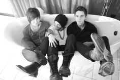 Joey, Alex (Singer), Alex (Marshall)