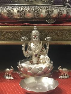 Diwali Decorations, Festival Decorations, Decor Wedding, Wedding Colors, Wedding Flowers, Silver Pooja Items, Ganapati Decoration, Pooja Room Door Design, Silver Lamp