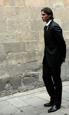 Photo Robert Marquardt/Getty Images via Daylife Rafael Nadal was at the Barcelona Cathedral on Thursday to serve as a pall bearer at the funeral of Juan Antonio Samaranch. Rafael Nadal, Tennis World, Le Tennis, Tenis Nadal, Nadal Tennis, Tennis Legends, Tennis Workout, Sport Icon, Tennis Stars