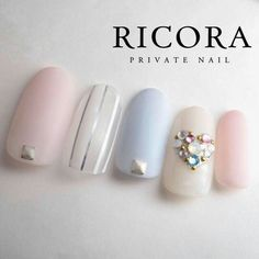 Opting for bright colours or intricate nail art isn't a must anymore. This year, nude nail designs are becoming a trend. Here are some nude nail designs. Glitter Nail Polish, Nude Nails, My Nails, Soft Nails, Simple Nails, Asian Nails, Birthday Nails, Card Birthday, Birthday Quotes
