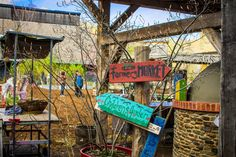 Farmers' Markets in Toronto: Evergreen Brick Works - Nature, Culture, Community – Help to create a food system that is ecologically and economically sustainable while supporting your local farmers.