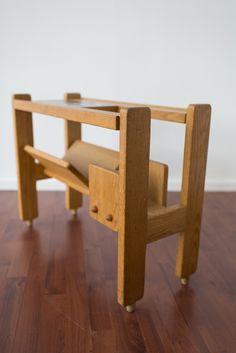 Tous nos meubles disponibles sont visibles dans cette catégorie : mobilier vintage et créations contemporaines, meubles de designer