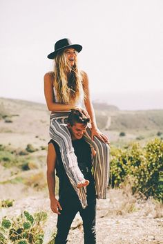 Best for: Quirky desert photo session. Don't be afraid to play with colors, patterns, and accessories.
