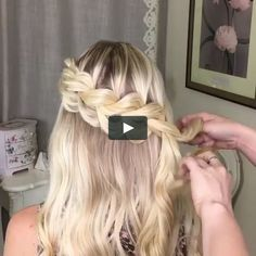 updos, hair dos, up hairstyles, haircut styles, updo. Braided Hairstyles Tutorials, Easy Hairstyles, Girl Hairstyles, Wedding Hairstyles, Medium Hair Styles, Curly Hair Styles, Cabelo Ombre Hair, Hair Videos, Hair Makeup