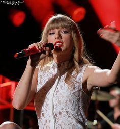 Taylor Swift - 2013 CMA Music Festival