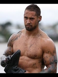 Luke McAlister feels he finally has the base fitness to launch a serious assault on a New Zealand rugby season again. God Of Football, Hot Rugby Players, Lycra Men, Rugby Men, Muscle Bear, Muscle Hunks, Athletic Men, Bearded Men, Sexy Men