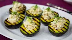 Grilled Avocado with Dungeness Crab Salad Fill grilled avocados with fresh crab salad for fresh a summery starter Crab Stuffed Avocado, Grilled Avocado, Grilled Salmon, Grilled Crab, Crab Recipes, Avocado Recipes, Salad Recipes, Healthy Recipes, Healthy Sauces
