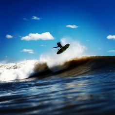 And it was stuff like this all day long for @beniceandsmile. Photo: @morganmaassen #QuikSurf
