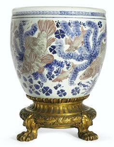 A copper-red-decorated blue and white jardinière, Kangxi period (1662-1722)