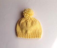 On m'a demandé sur mon instagram le tuto de mes petits bonnets tout simples tricotés pour l'opération layette organisée par les restos du ...