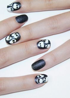 Boo! Halloween Nails