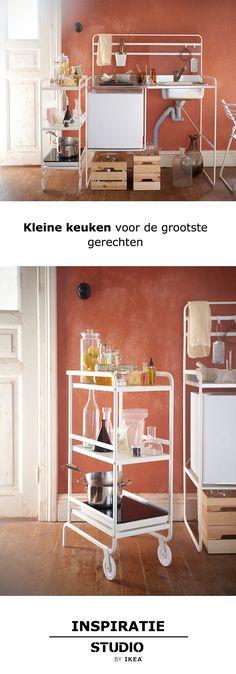 STUDIO by IKEA - Kleine keuken voor de grootste gerechten | #STUDIObyIKEA #IKEAnl #IKEA #inspiratie #wooninspiratie #woonoplossing #keuken #wonen #design #opberger #wit #functioneel #modern #roltafel #interieur