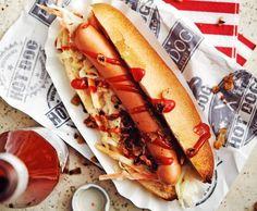 Gli Hot Dog, il simbolo di New York! Puo' sembrare lo street food più facile da riprodurre a casa…ma attenzione, la senape e il ketchup devono essere quell
