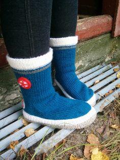 Knitting Socks, Knit Socks, Knitting Patterns, Knitting Ideas, Mittens, Dream Catcher, Knit Crochet, Knitwear, Unisex