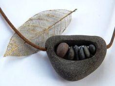 Collares con piedras