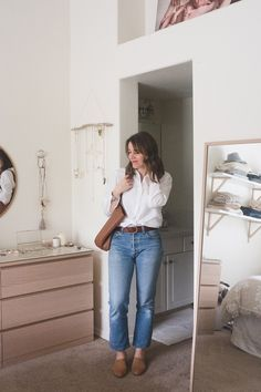 Vintage-Classic Style for Spring: Vintage Jeans, White Button Up, Leather Tote, and simple mules