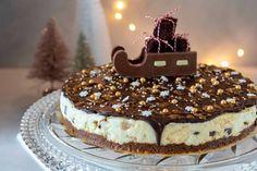 Met deze prachtige Kerst MonChoutaart met chocolade en karamel steel je de show tijdens de kerstdagen! De taart is heel makkelijk te maken zonder oven. Christmas Food Treats, Candy Christmas Decorations, Fudge, Chocolates, Eat Pray Love, Happy Foods, Candy Melts, Chocolate Cheesecake, Gluten Free Desserts
