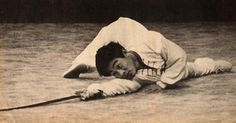 "gutsanduppercuts: ""A rare picture of a young Jet Li demonstrating Wu Shu's druken sword form. Jet Li, Rare Pictures, Rare Photos, Kung Fu, Wing Chun Ip Man, Sammo Hung, Brigitte Lin, Martial Arts Workout, Martial Artist"