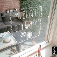 bijdeb: Raam decoratie Welkom Sint & Piet..