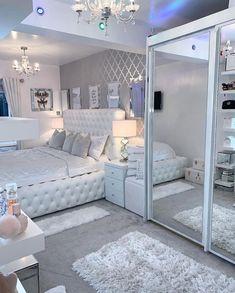 Bedroom Decor For Teen Girls, Cute Bedroom Ideas, Room Ideas Bedroom, Home Decor Bedroom, Bedroom Ideas For Teens, Dream Teen Bedrooms, Modern Teen Bedrooms, Cute Teen Rooms, Mirror Bedroom