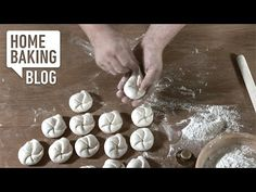 Handsemmel formen / Forming Rolls on Vimeo Home Baking, Bread And Pastries, Bread Rolls, How To Make Bread, Kids Meals, Bread Recipes, The Creator, Bakery, Food And Drink