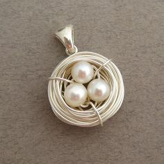nest of pearls