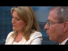 Tina Hassel und Thomas Baumann im ARD Sommerinterview mit Angela Merkel,...