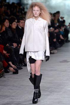 Rick Owens Fall 2013 Ready-to-Wear Fashion Show - Maja Salamon (Next)