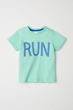 5d5ecf2ebd2 T-shirt en coton. 18 MonthsT ShirtCottonBabyKidsFastenersGreen ...