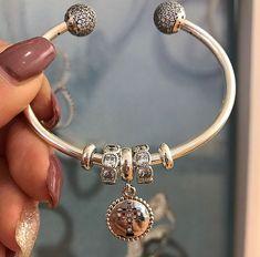 Pandora News Round-up for November 2017 Tiffany And Co Jewelry, Mom Jewelry, Charm Jewelry, Jewelry Design, Jewlery, Pandora Bangle, Pandora Bracelet Charms, Pandora Jewelry, Pandora Travel Charms