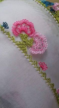 This Pin was discovered by HUZ Needle Lace, Bobbin Lace, Needle And Thread, Drawn Thread, Thread Work, Japanese Embroidery, Hand Embroidery, Lace Art, Tatting