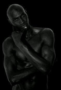 nero---➽ nigrum➽μαύρος➽black➽negro➽schwarz➽黑➽ أسود