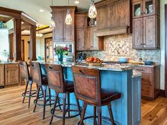 Gotta make this happen in my new kitchen. Rustic Kitchen Island in 99 Beautiful Kitchen Island Design Ideas from HGTV Beautiful Kitchens, Rustic Kitchen Design, Kitchen Remodel, Rustic Kitchen Island, Kitchen Island With Seating, Kitchen Island Design, Rustic Kitchen, Kitchen Island Plans, Kitchen Design