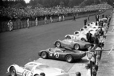1967. Nurburgring 1000 kms. Ready to start-Source Blog do mestre Joca