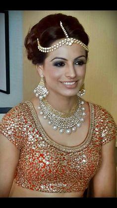 Best site to plan a modern Indian wedding, WedMeGood covers real weddings… Saris, Indian Dresses, Indian Outfits, Maxi Collar, Lehenga Jewellery, Desi Wedding, Wedding Ideas, Indian Bridal Wear, Bridal Lehenga