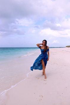 Blue Crush - Hapa Time - Photography, Landscape photography, Photography tips Beach Photography Poses, Beach Poses, Beach Shoot, Blue Crush, Dress Picture, Picture Poses, Summer Pictures, Beach Pictures, Hapa Time