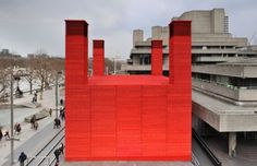 Architectura - Helderrood auditorium The Shed van Haworth Tompkins in Londen