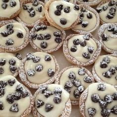 Desserts To Make, Mini Desserts, Christmas Desserts, Delicious Desserts, Yummy Food, Fall Desserts, Mini Chocolate Desserts, Baking Recipes, Cookie Recipes