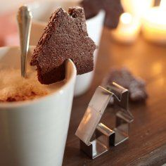 At Christmas, I had a Gingerbread martini with a cookie placed on top - similar to this. I thought it was the best thing EVER!