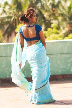 நடிகை ரம்யா பாண்டியனின் வைரல் க்ளிக்ஸ்..! Indian Actress Hot Pics, South Indian Actress Hot, Actress Photos, Indian Actresses, Indian Photoshoot, Saree Photoshoot, Beautiful Girl Indian, Most Beautiful Indian Actress, Beautiful Women