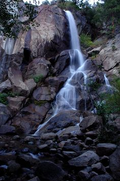 Grizzly Falls at Kings Canyon National Park