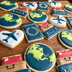 The perfect cookies for the travel & dessert lover in your life! Fancy Cookies, Iced Cookies, Cute Cookies, Royal Icing Cookies, Sugar Cookies, Travel Cake, Travel Party, Airplane Cookies, Airplane Cupcakes
