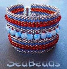 Heavenly Twins Bracelet SeaBeads in peyote stitch.