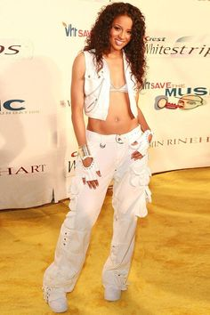 15 Trends You Wouldn't be Caught Dead In — Early 2000s Fashion Trends #2000SFashionTrends