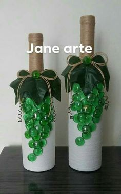 All of these beer bottle crafts give you a bunch of methods to pull out and reinvented this every day item, Are you going to opt to salvage each of your beer flask or repurpose it? Wine Bottle Vases, Bottle Centerpieces, Painted Wine Bottles, Bottles And Jars, Perfume Bottles, Beer Bottle Crafts, Diy Bottle, Jar Art, Bottle Painting