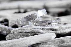 Anillos de boda Argyor en oro blanco efecto hielo.